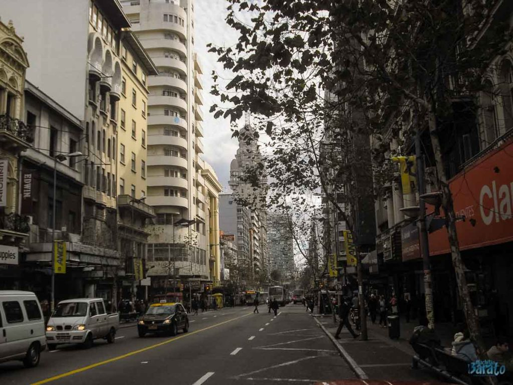 Avenida 18 de Julho em Montevidéu