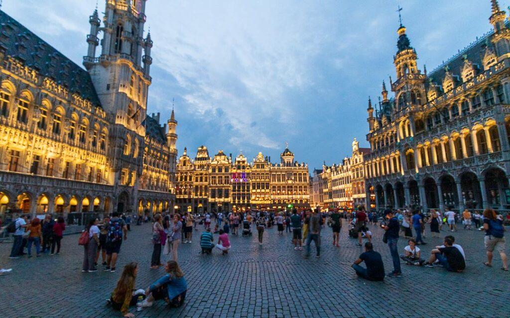 Grand Place de Bruxelas a noite