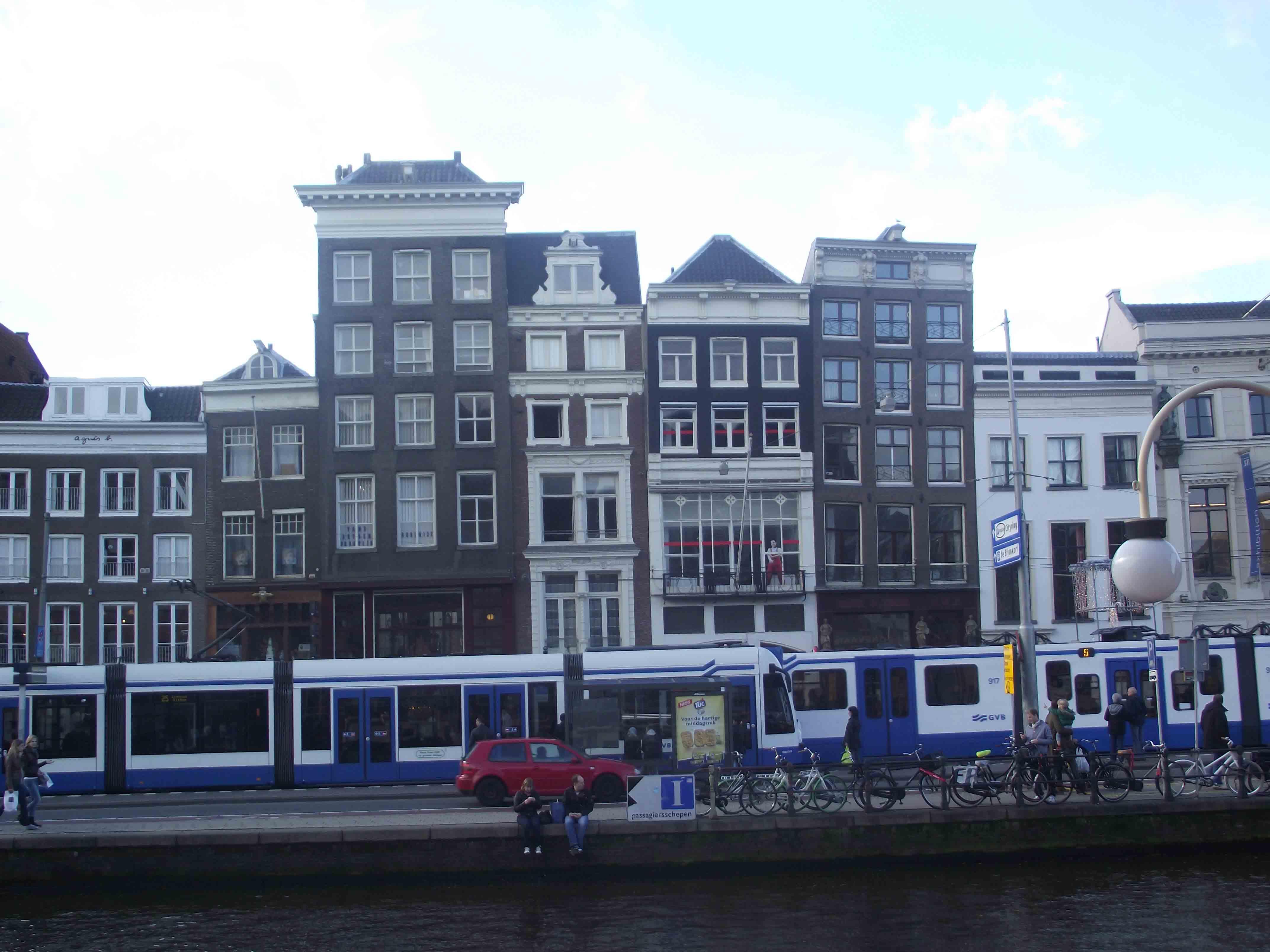 Prédios tortos Amsterdam