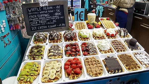Banca de waffles em Bruxelas