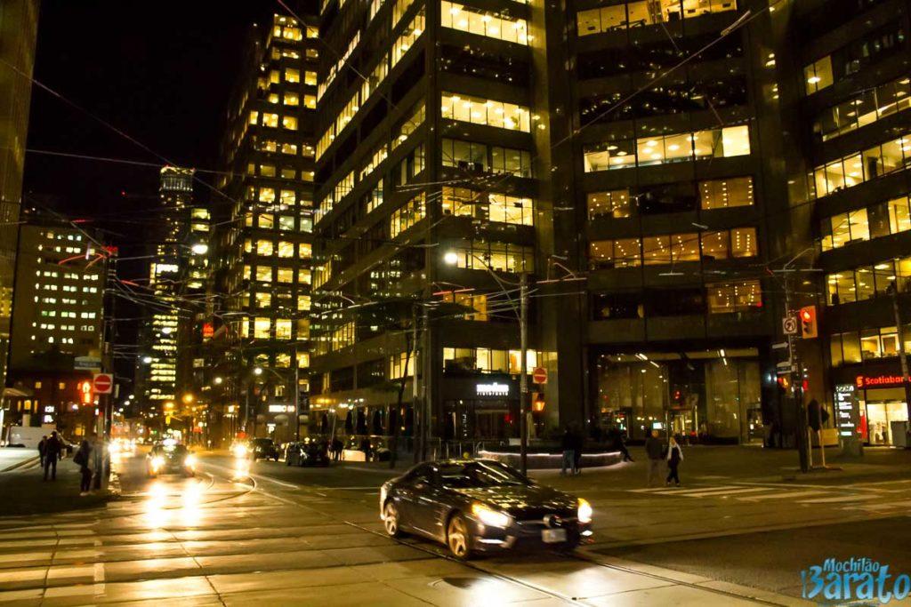 Toronto a noite.