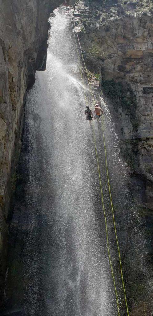 Rapel nos Canyons de Furnas em Capitólio