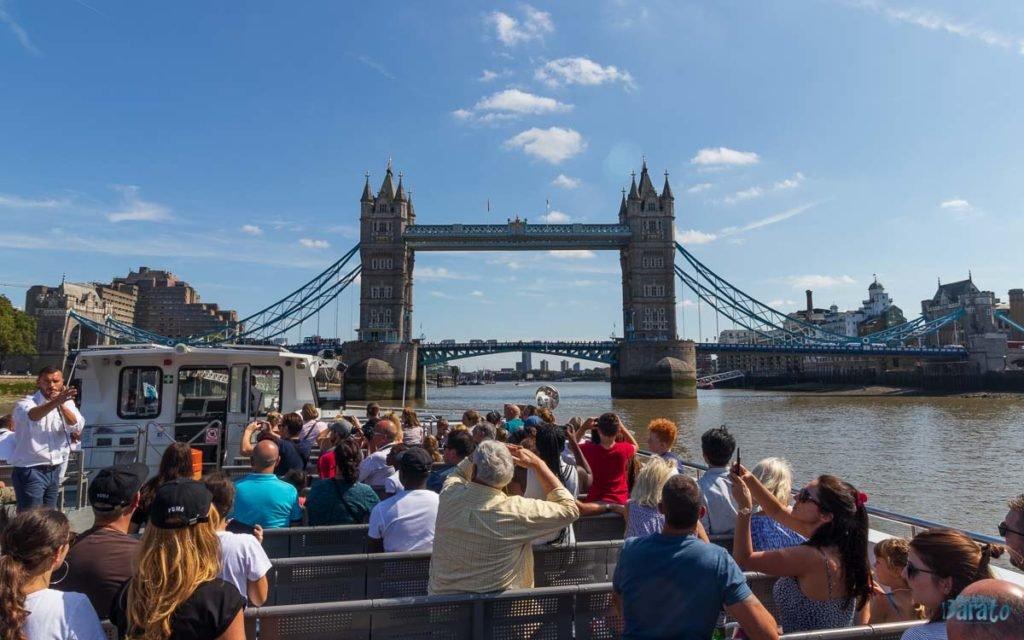 Passeio de barco em Londres