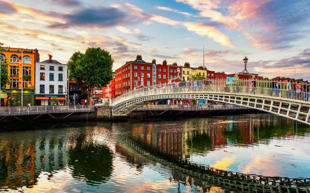 Ha'penny Bridge em Dublin