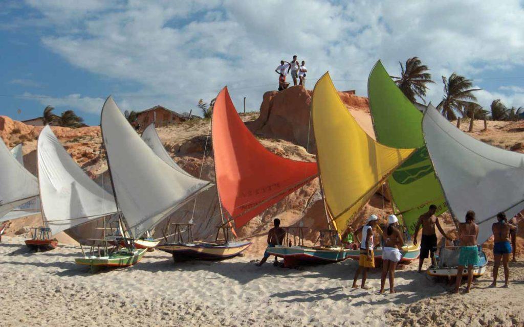 Barcos a vela em Canoa Quebrada