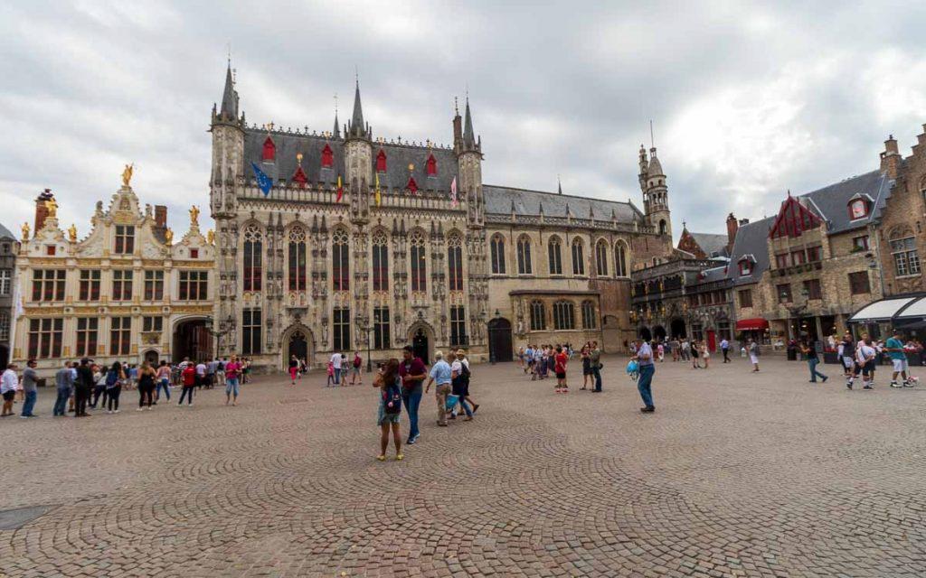 Praça Burg em Bruges