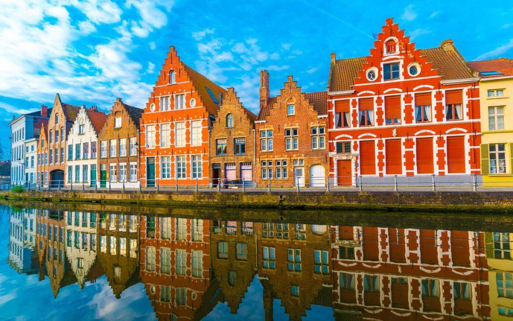 Construções medievais em Bruges