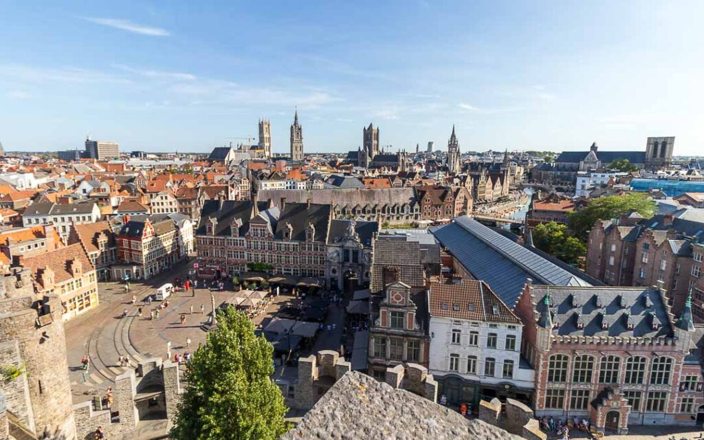 Vista das torres do Castelo dos Condes
